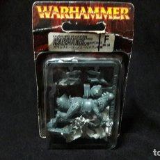 Jogos Antigos: WARHAMMER HOMBRES LAGARTO HEROE EN GELIDO NUEVO EN SU BLISTER . Lote 176202057