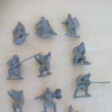 Juegos Antiguos: LOTE DE 10 GUERREROS, SOLDADOS EL SEÑOR DE LOS ANILLOS. WARHAMMER. . LORD OF THE RING. Lote 177556247