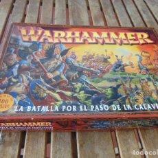 Juegos Antiguos: CAJA PIEZAS DOCUMENTACION Y DEMAS DE WARHAMMER LA BATALLA POR EL PASO DE LA CARAVELA. Lote 180471263
