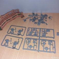 Juegos Antiguos: FIGURA DE PLASTICO WARHAMMER GW1992-GW1996. Lote 194972042