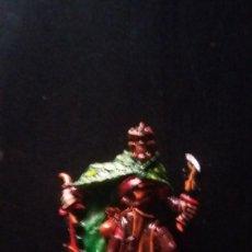 Juegos Antiguos: WARHAMMER ELFOS OSCUROS CORSARIO PEANA DECORADA EDICION PLOMO WELL PAINTED. Lote 202969748