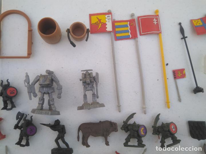 Juegos Antiguos: LOTE UNAS 60 FIGURAS Y PIEZAS JUEGOS DE ROL - WARHAMMER, HEROQUEST O SIMILARES - Foto 4 - 206421730