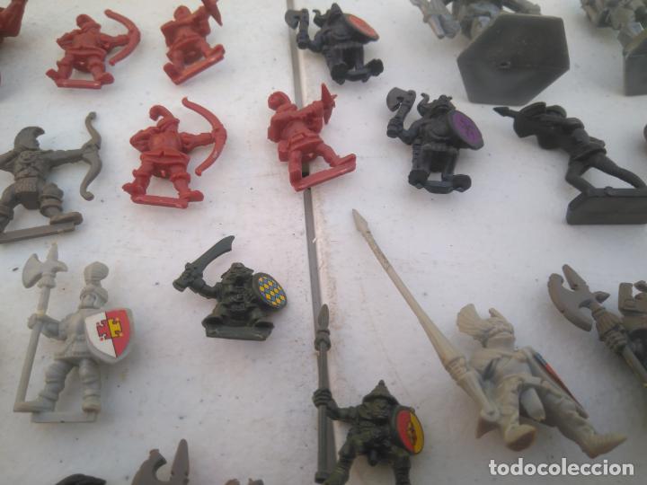 Juegos Antiguos: LOTE UNAS 60 FIGURAS Y PIEZAS JUEGOS DE ROL - WARHAMMER, HEROQUEST O SIMILARES - Foto 10 - 206421730