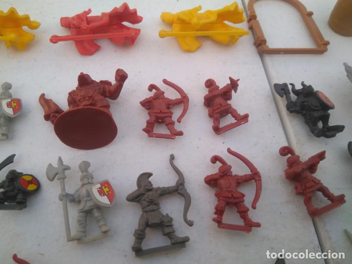 Juegos Antiguos: LOTE UNAS 60 FIGURAS Y PIEZAS JUEGOS DE ROL - WARHAMMER, HEROQUEST O SIMILARES - Foto 11 - 206421730
