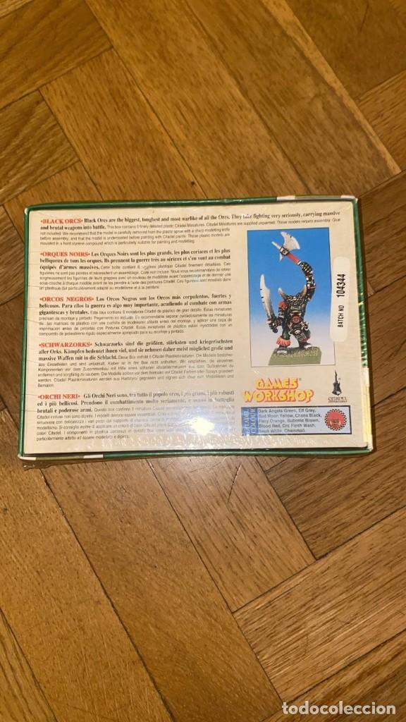 Juegos Antiguos: CAJA ORCOS Y GOBLINS PRECINTADA VINTAGE CON 6 FIGURAS DE WARHAMMER DE PLÁSTICO 1996 ORCOS NEGROS - Foto 2 - 209863340