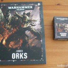 Juegos Antiguos: WARHAMMER 40K: CODEX ORKS + MAZO CARTAS (OCTAVA EDICION). Lote 214459193