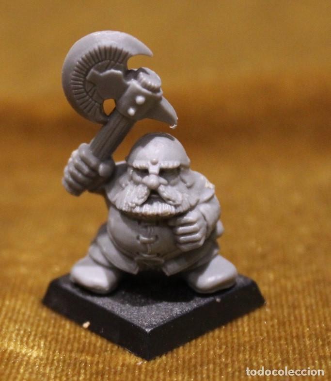 Juegos Antiguos: Caja Warhammer,Mas de cincuenta figuras de guerreros.En caja NO original. - Foto 4 - 222598795