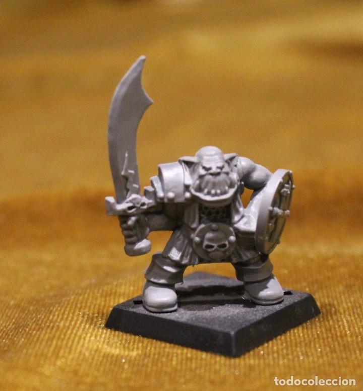 Juegos Antiguos: Caja Warhammer,Mas de cincuenta figuras de guerreros.En caja NO original. - Foto 5 - 222598795