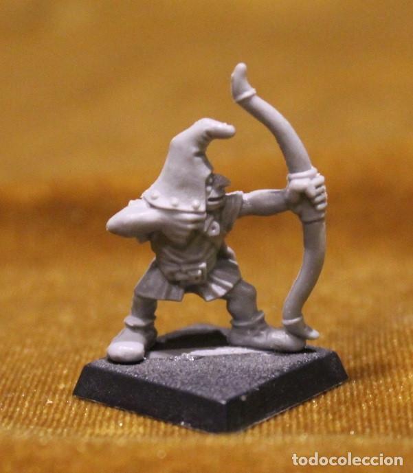 Juegos Antiguos: Caja Warhammer,Mas de cincuenta figuras de guerreros.En caja NO original. - Foto 6 - 222598795