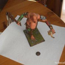 Juegos Antiguos: WARHAMMER FANTASY (OLDHAMMER): GIGANTE DE PLASTICO EJERCITO ORCOS Y GOBLINS. Lote 224126483