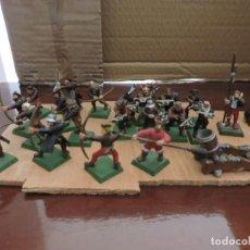 Jogos Antigos: PERSONAJES WARHAMMER. LO QUE SE VE EN LAS FOTOS. Lote 243008535