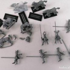 Juegos Antiguos: WARHAMMER - 7 CABALLEROS BRETONIANOS AÑOS 90 - PERFECTO ESTADO - DESCATALOGADOS. Lote 254440575