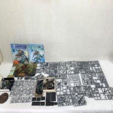 Giochi Antichi: GRAN LOTE WARHAMMER - POR MONTAR + FIGURAS MONTADAS + CATÁLOGO + ALFOMBRILLA ORDENADOR. Lote 287666288