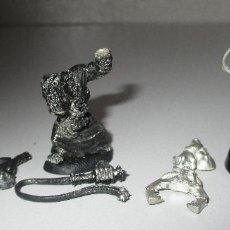 Juegos Antiguos: WARHAMMER FIGURAS METAL, GORKAMORKA, ORC, ORK SLAVER X 2. Lote 289364693