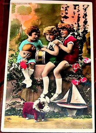 Antigua Postal De Ninos Jugando Con Juguetes Or Comprar Juegos
