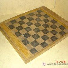 Juegos antiguos: ANTIGUO TABLERO CON DEPARTAMENTOS LATERALES - SIN FICHAS -. Lote 26858157