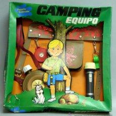 Juegos antiguos: EQUIPO CAMPING PEQUEÑO EXPLORADOR DISFRAZ DE JOSMAN EN SU CAJA NUEVO. Lote 199584251