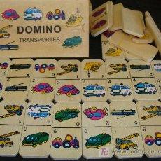 Juegos antiguos: JUEGO DE DOMINÓ DE TRANSPORTES. PARA NIÑOS. AMBULANCIA, TREN, CAMIÓN BOMBEROS, TRACTOR MADERA. . Lote 20465112