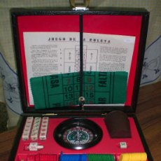Juegos antiguos: MALETIN CASINO RULETA FICHAS DADOS Y CUBILETE. Lote 26403994