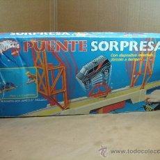 Juegos antiguos: PUENTE SORPRESA DE HOT WHEELS - MATTEL 1986 - INCOMPLETO. Lote 31242566