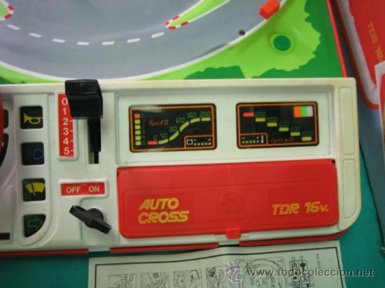Juegos antiguos: Auto Cross de Mattel 1990. Falta arco de meta. Tiene los coches - Foto 11 - 32746923