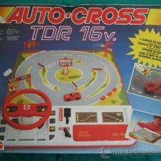 Juegos antiguos: AUTO CROSS DE MATTEL 1990. FALTA ARCO DE META. TIENE LOS COCHES. Lote 32746923