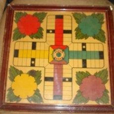 Juegos antiguos: ANTIGUO PARCHIS. MARCO DE MADERA. DIBUJO REGISTRADO Nº 7808. FICHAS DE MADERA. LEER. VER FOTOS. Lote 38414360
