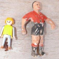Juegos antiguos: MUY MUY ANTIGUO MUÑECO FUTBOLIN ESPAÑA OSASUNA ?. Lote 39795390