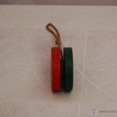 Juegos antiguos: YOYO ( YO-YO) DE MADERA PINTADA. Lote 50476956