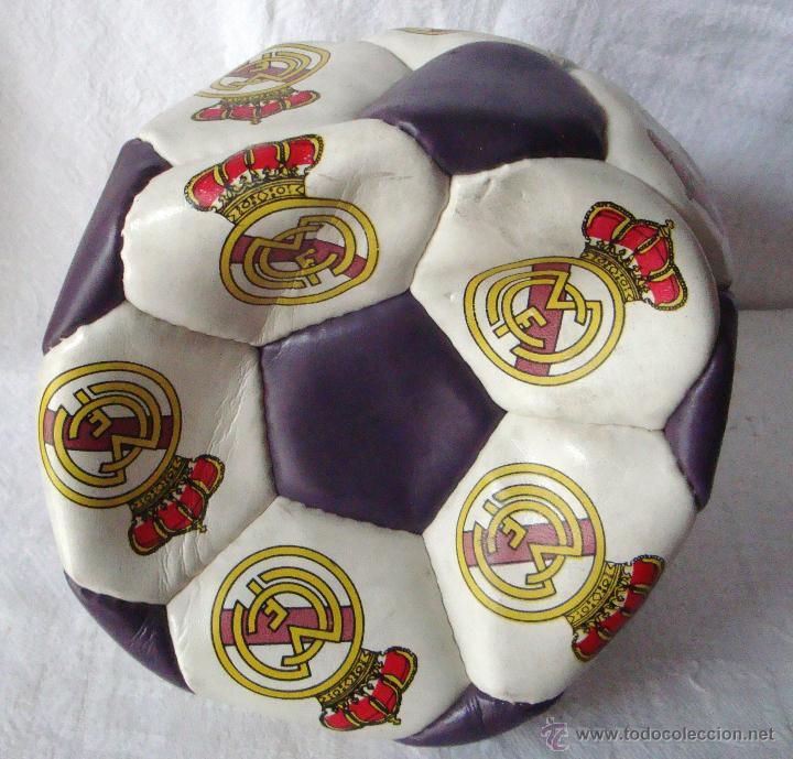Juegos antiguos: Balón Real Madrid numerado B 79797312 - Foto 2 - 54473834