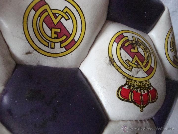 Juegos antiguos: Balón Real Madrid numerado B 79797312 - Foto 3 - 54473834