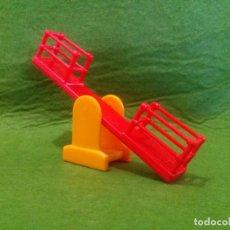 Juegos antiguos: MINI COLUMPIO DE PLASTICO. Lote 66041058