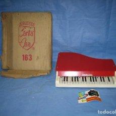 Juegos antiguos: 23 PIANO DE MADERA JUGUETES SANTA ANA N 163 AÑOS 70 O 80. SUCIO DE ALMACENAJE . NO JUGADO. Lote 72708347