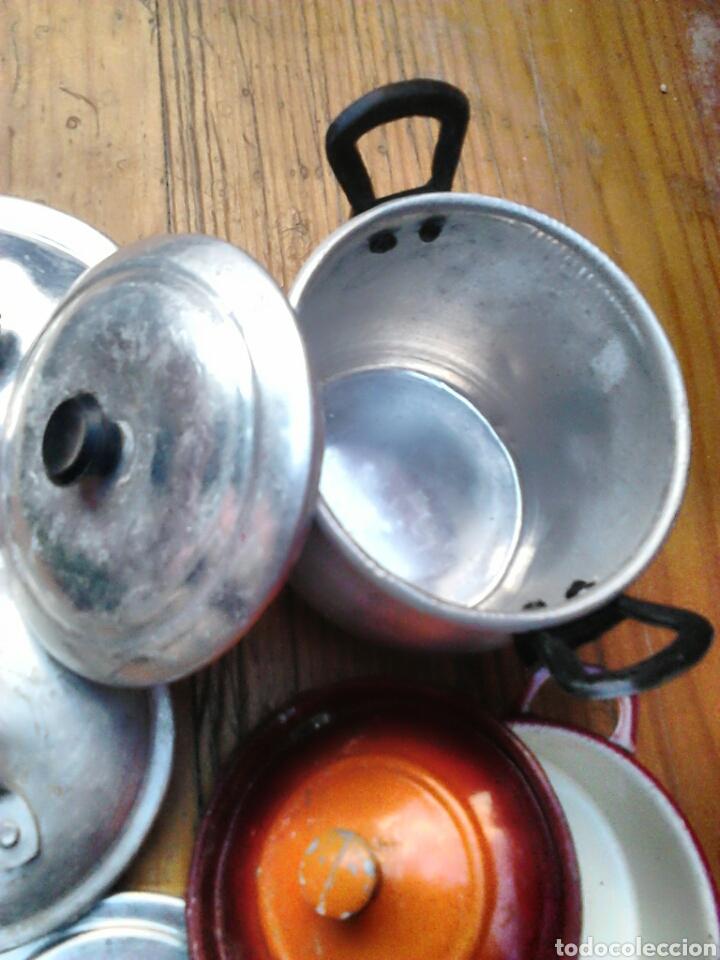 Juegos antiguos: Lote de 9,cacerolas,plato,tapas,de aluminio, porcelana,de juguete,cocinitas, años 60-70 - Foto 3 - 91186090