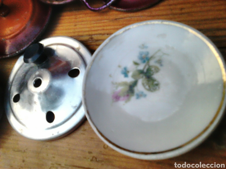 Juegos antiguos: Lote de 9,cacerolas,plato,tapas,de aluminio, porcelana,de juguete,cocinitas, años 60-70 - Foto 4 - 91186090