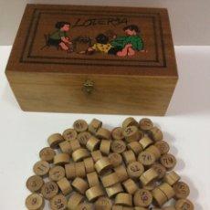 Juegos antiguos: CAJA Y 90 FICHAS DE BINGO. Lote 95848179