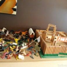 Juegos antiguos: FUERTE EN MADERA FORT ROCLAR MÁS LOTE DE FIGURAS OESTE. Lote 98186264