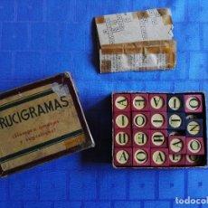 Juegos antiguos: ANTIGUO JUEGO DE CRUCIGRAMAS DE LOS AÑOS 40. COMPUESTO POR 78 PIEZAS. . Lote 101972119