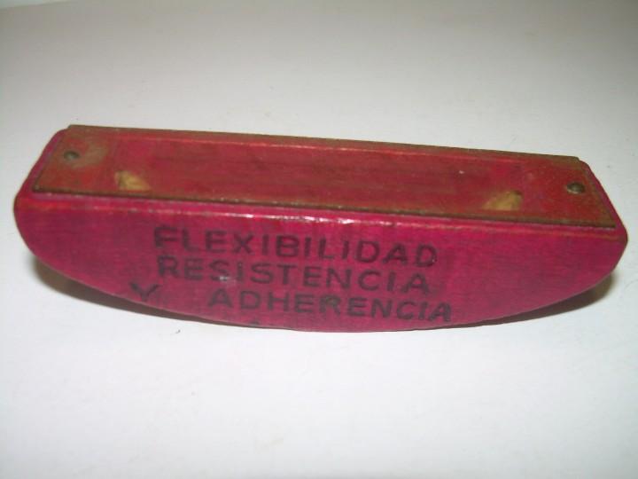 Juegos antiguos: ANTIGUO JUEGO DE HABILIDAD..SE DEBE PONER CADA BOLA EN LOS EXTREMOS. - Foto 3 - 107993947