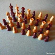 Juegos antiguos: LOTE TRES JUEGOS DE FIGURAS DE AJEDREZ EN MADERA . Lote 112930175