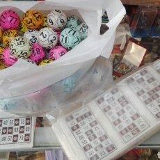 Juegos antiguos: BOLAS BINGO NEUMÁTICO Y GRAN LOTE CARTONES JUNTA DE ANDALUCÍA F.M.N.T. Lote 122177460