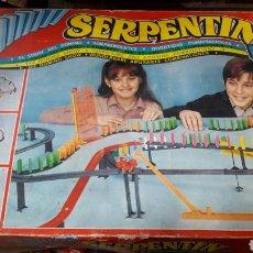 Juegos antiguos: SERPENTINE EL SHOW DEL DOMINO DOS BANDEJAS AIRGAM 533. Lote 128477418