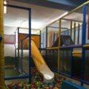 Juegos antiguos: JUEGOS Y MOBILIARIO PARA PARQUE INFANTIL DE BOLAS. Lote 135456010