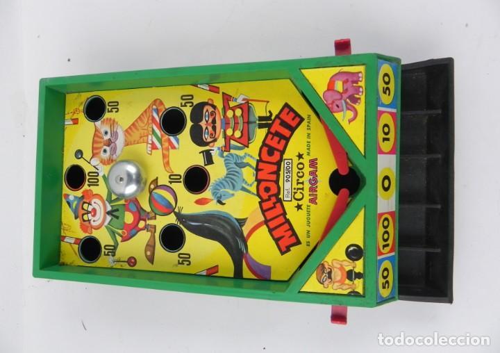Juegos antiguos: JUGUETE MILLONCETE DE AIRGAM, CIRCO. REF. 905/00. A LOS MANDOS HAY QUE PONERLE LAS GOMAS PARA QUE FU - Foto 2 - 136446710