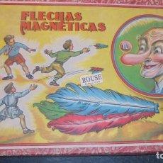 Juegos antiguos: JUEGO - FLECHAS MAGNETICAS -ENRIQUE BORRAS Y Cª. MATARO . CAJA CON SU DIANA DE PAPEL Y LATA Y UNA . Lote 136846074