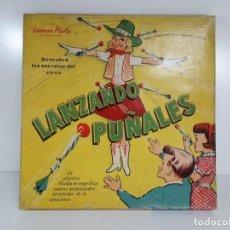 Juegos antiguos: ANTIGUO JUGUETE LANZANDO PUÑALES DE LANMAN PLASTIC. Lote 147139702