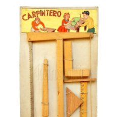 Juegos antiguos: BLISTER JUEGO SET DE CARPINTERO CARPINTERIA, HERRAMIENTAS DE MADERA. AÑOS 40. Lote 150833666