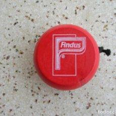 Juegos antiguos: YOYO DE MADERA DE FINDUS. Lote 161631794