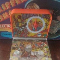 Juegos antiguos: FLIPPER JÚNIOR RIMA BASKET AÑOS 70 CON CAJA. Lote 162326576