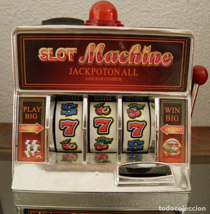 Juegos antiguos: MAQUINA TRAGAPERRAS DE JUGUETE,HUCHA,SLOT MACHINE JACKPOTON ALL AND,BAR COMBOS,FUNCIONANDO - Foto 2 - 162635750